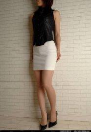 白裙黑高这样女孩喜欢吗.1