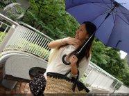 下雨天里不忘甜蜜约会.1