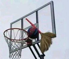 尴尬的篮球课