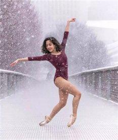 在冰雪中翩然起舞