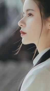 白衣飘飘古典汉服美女写真